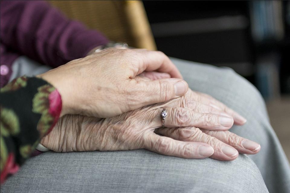 Debates en torno a las personas cuidadoras en familia
